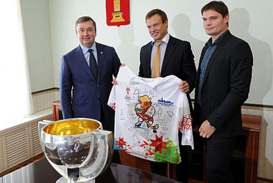 Чемпионы мира по хоккею приехали в Тверь и привезли с собой Кубок
