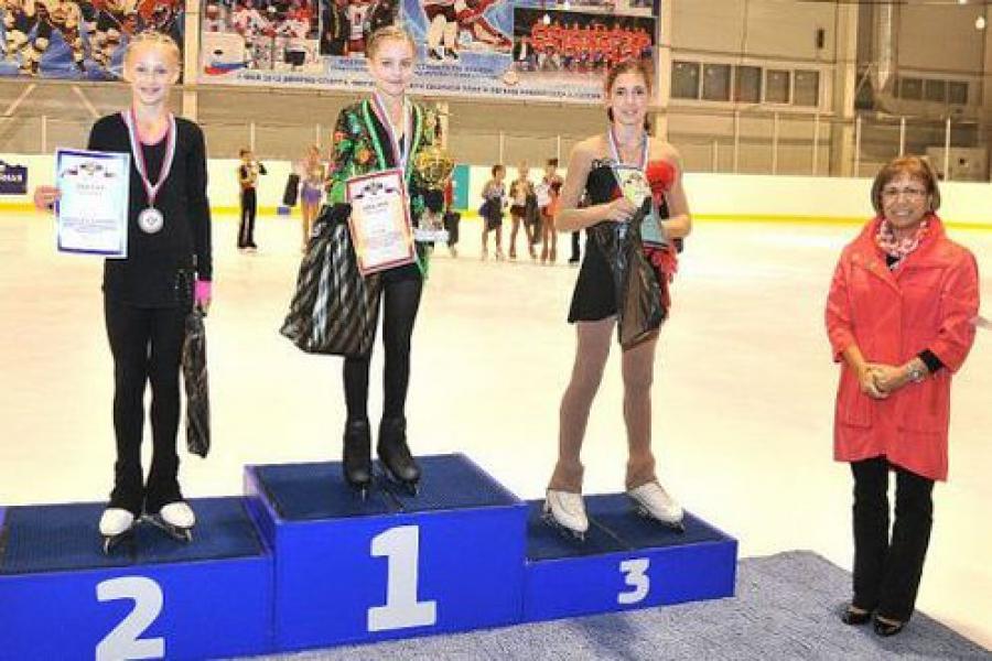 На конаковском льду завершились всероссийские соревнования юных фигуристов