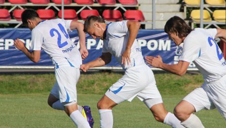Тверская «Волга» в Пскове проиграла местным футболистам