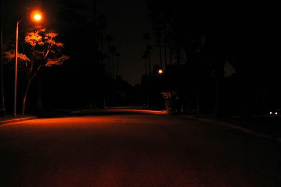 Пьяный водитель на темной улице насмерть сбил пешехода