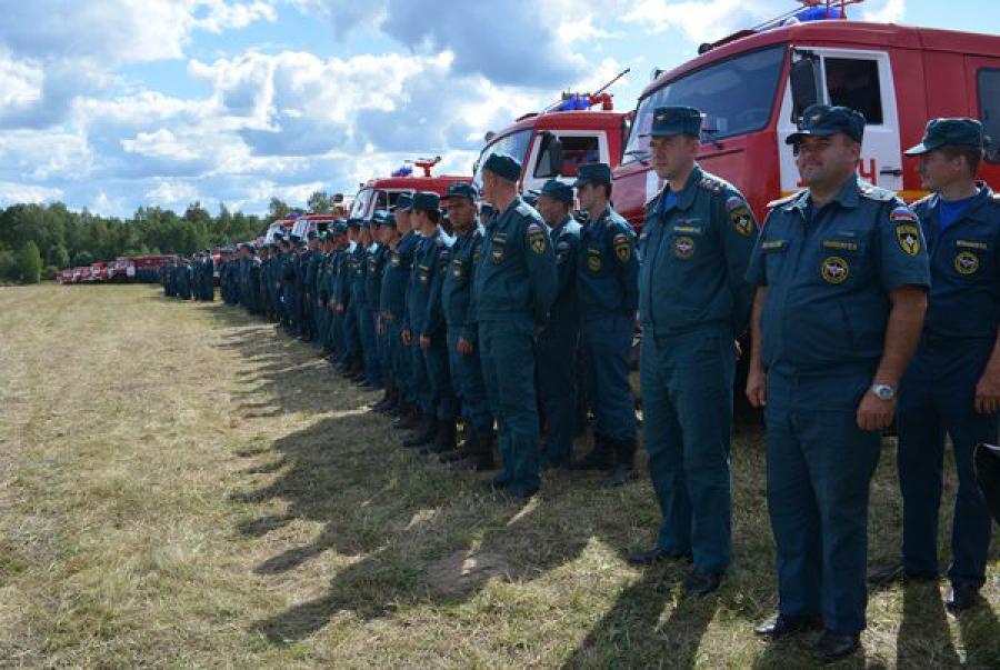 В Тверской области поблагодарили пожарных из регионов ЦФО, помогавших тушить природные пожары