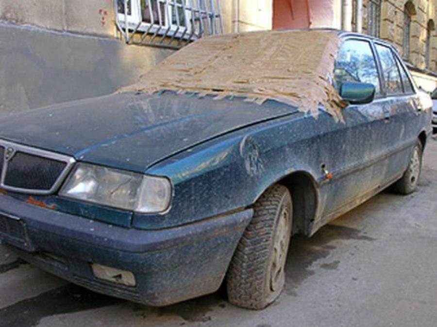 Задержан мужчина, угонявший старые машины из дворов