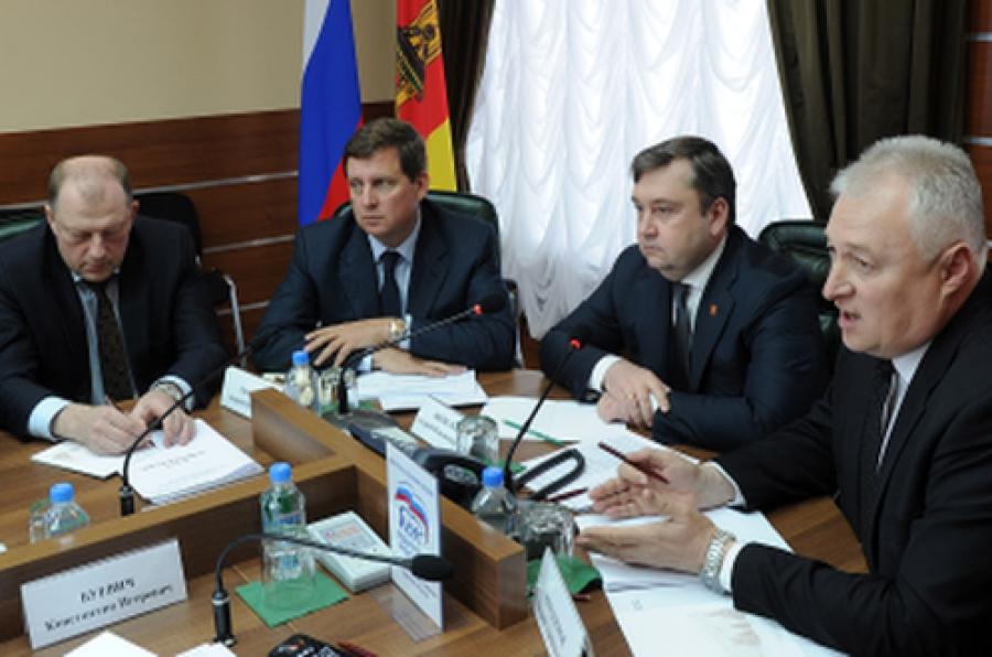 Губернатор встретился с единороссами из областного парламента