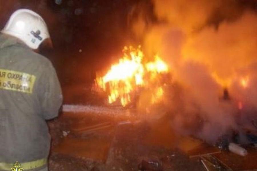 В Кимрском районе сгорела дача, в Вышневолоцком — ларёк