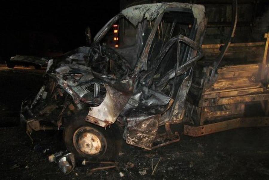 На трассе «Россия» в ДТП погиб человек и сгорели три автомобиля