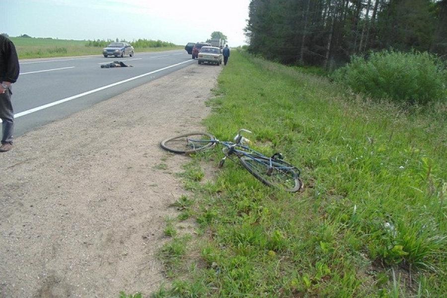 В Тверской области велосипедист погиб под колесами кроссовера