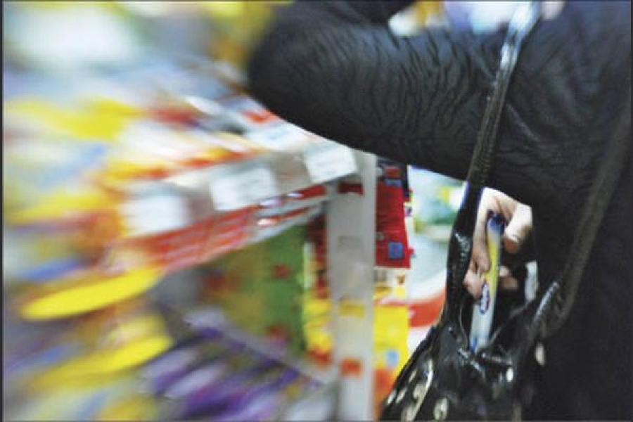 Кражу в супермаркете совершили дамы