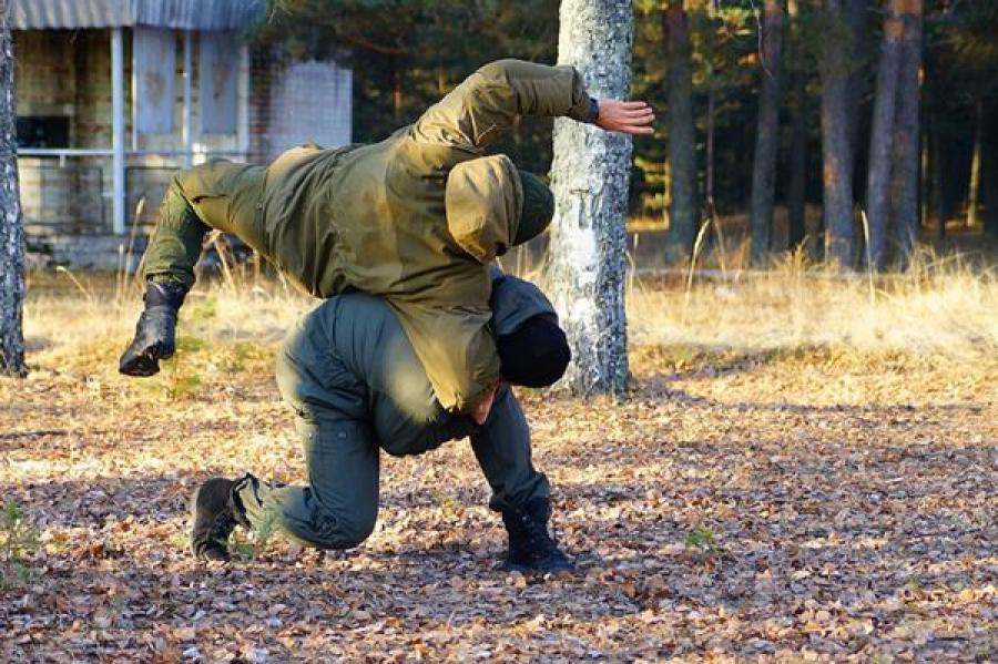 Тверской ОМОН проводит тренировки под Тверью