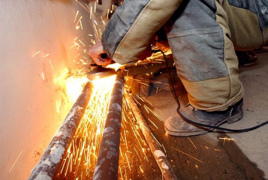 Из-за аварийного ремонта теплотрасс в некоторых домах в Твери отключат тепло и горячую воду