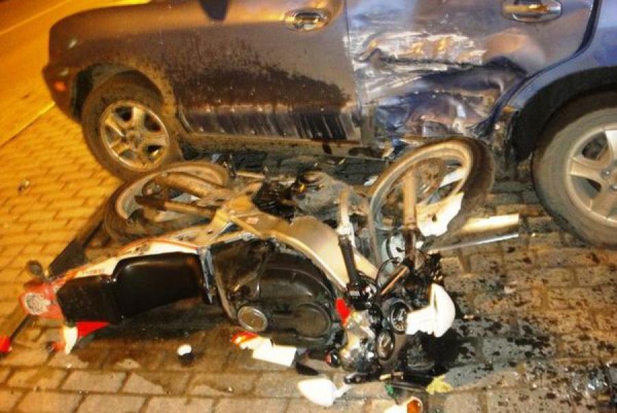 В Твери в ДТП серьёзно пострадал мотоциклист