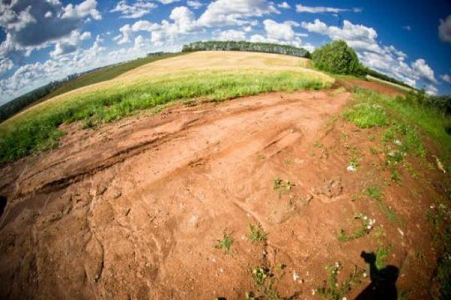 Половина многодетных семей области, вставших на учет для получения земли, уже обеспечена участками