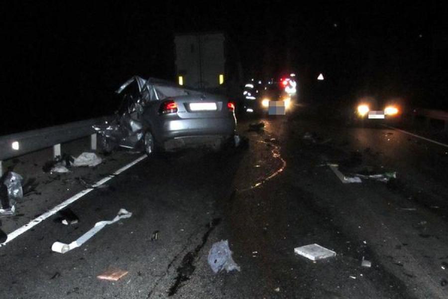 В ночном ДТП погибли пассажирка и водитель «Фольксвагена», уснувший за рулем