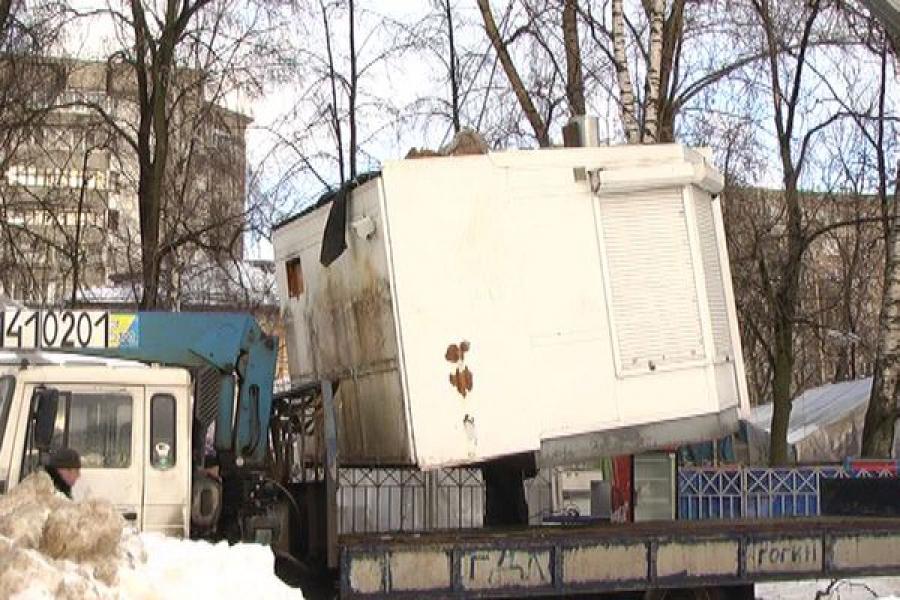 В Заволжском районе Твери снесли три нелегальных киоска