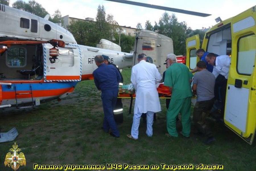Вертолет МЧС доставил пациентку из Бежецка в Тверь за полчаса