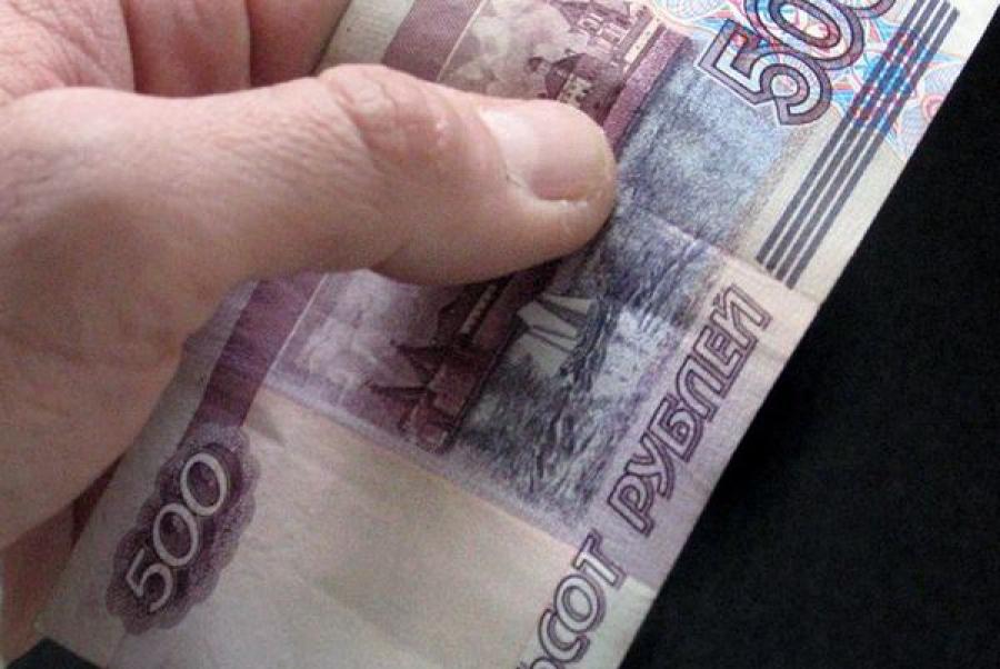 Гражданин Узбекистана пытался дать взятку, а потом нанес вред здоровью полицейского, считает следствие