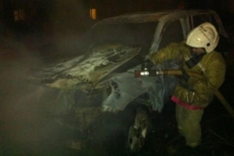 В Конаковском районе сожгли «ветерана» отечественного автопрома — «Москвич-2141″