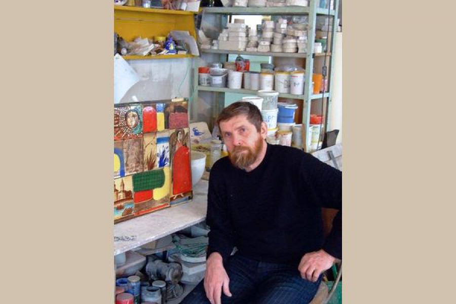 Выставка «Метаморфозы. Керамика Анатолия Камардина» открылась в музее В.А. Серова в Эммаусе