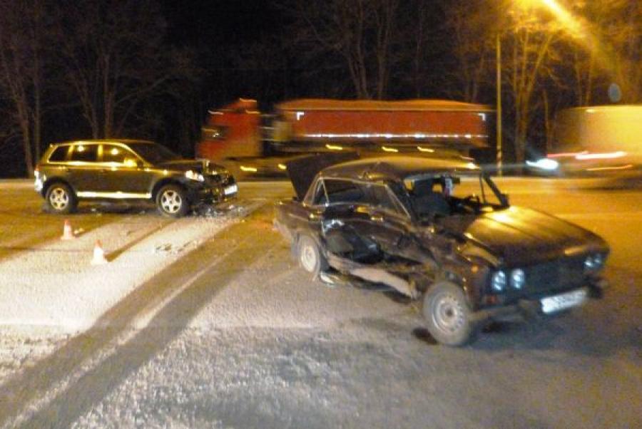 Водитель-пенсионер пострадал в ДТП на трассе М-10