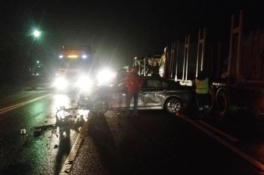 В Вышневолоцком районе на трассе М-10 столкнулись четыре автомобиля