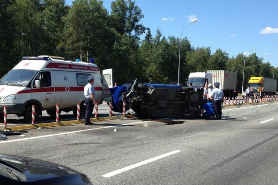 Две аварии с участием нескольких автомобилей произошли на трассе М-10 в Тверской области