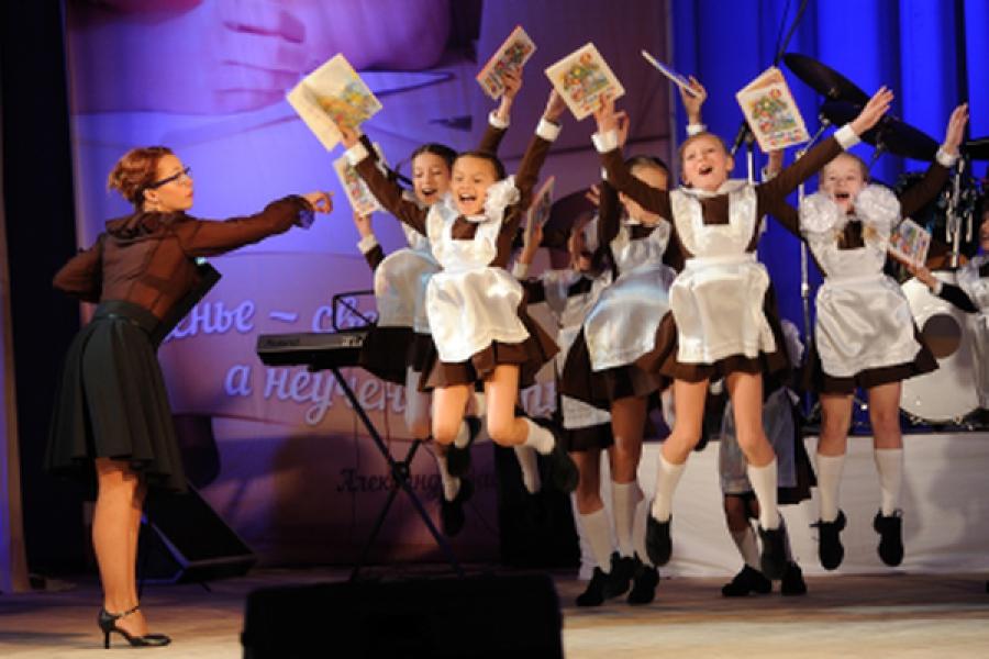 Учителя Тверской области принимают поздравления