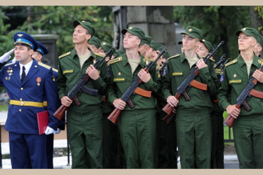 Первокурсников Военной академии ВКО привели к присяге