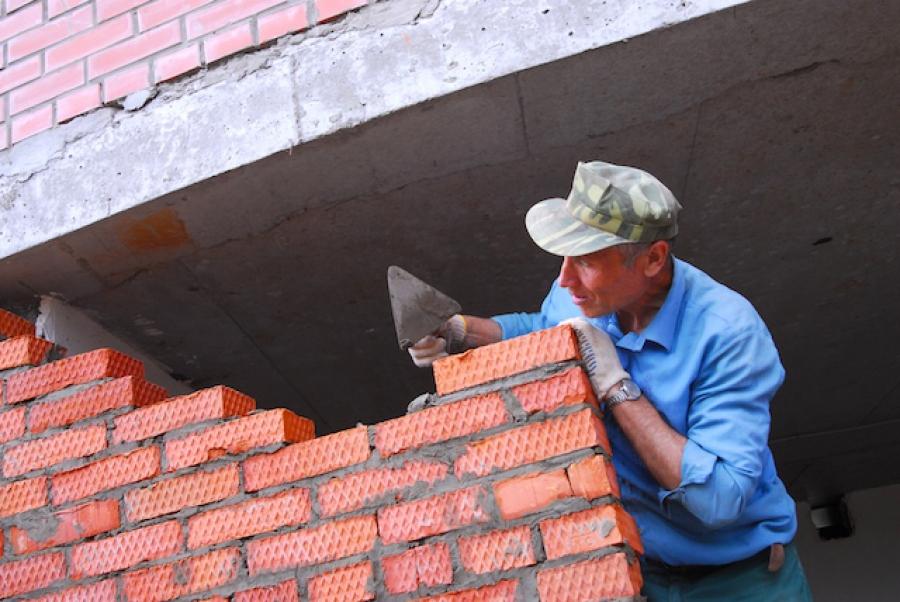 Депутаты ТГД проинспектировали строительство муниципального дома