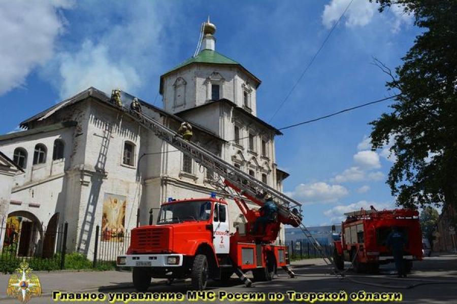 В центре Твери горела церковь