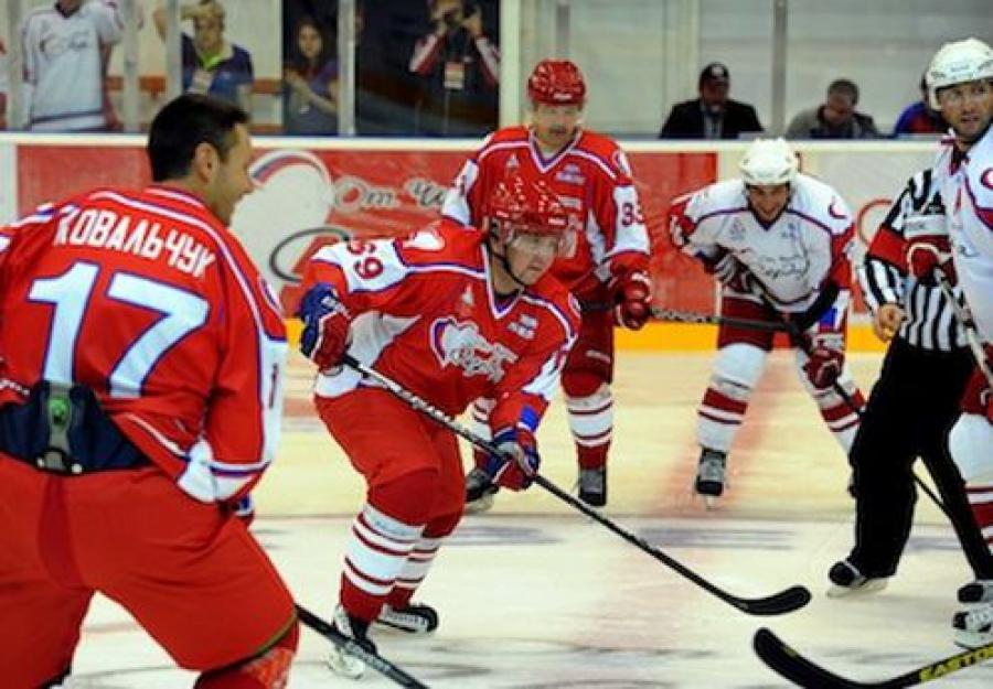 Благотворительный хоккейный матч «От чистого сердца» собрал почти 10 миллионов рублей
