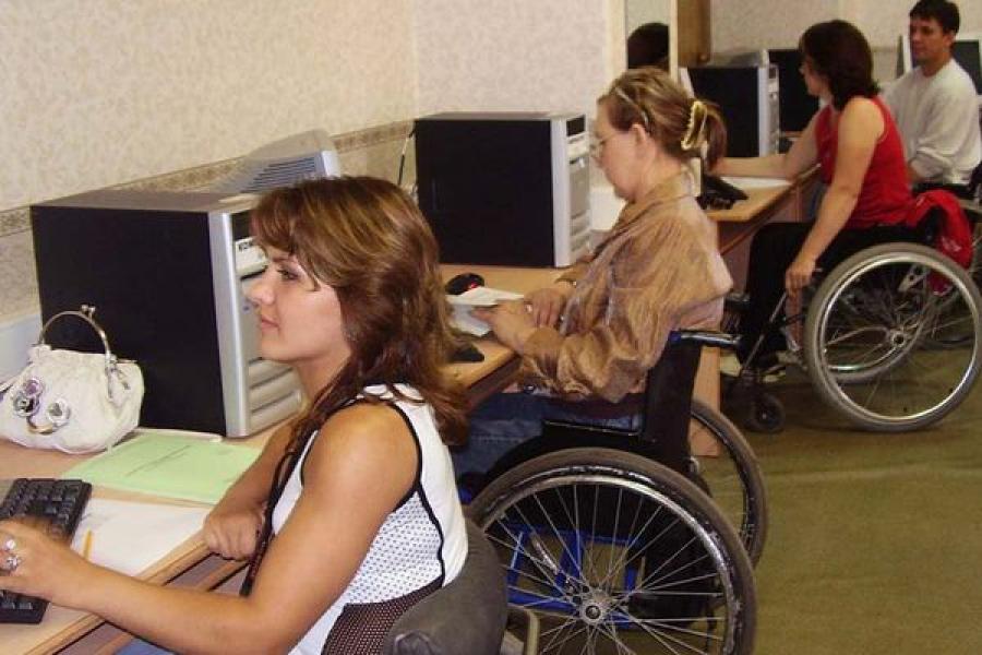 В ССУЗах Тверской области обучается 568 студентов-инвалидов