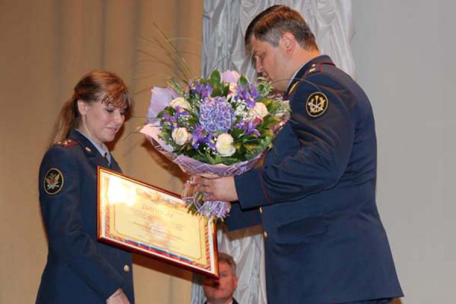 Сотрудница вышневолоцкой колонии №5 победила на Всероссийском конкурсе оперативных сотрудников УИС