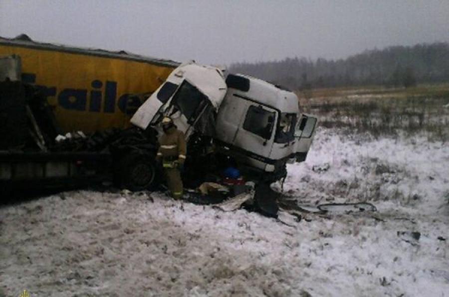 В Зубцовском районе произошло ДТП с участием двух большегрузов