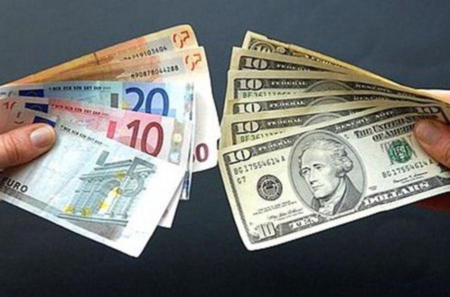 Большого ажиотажа по поводу роста курас валют в тверских банках не отмечают