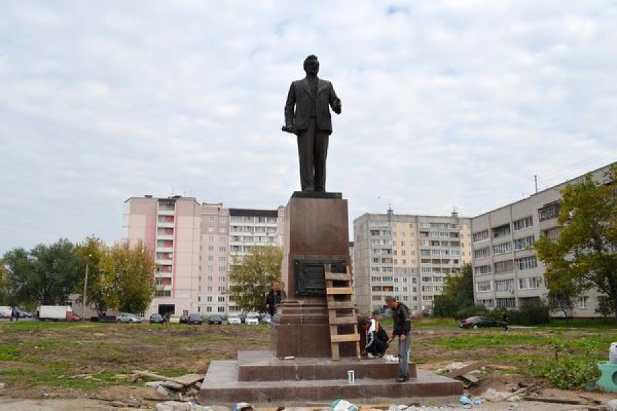 Памятник Михаилу Калинину сменил «место жительства»