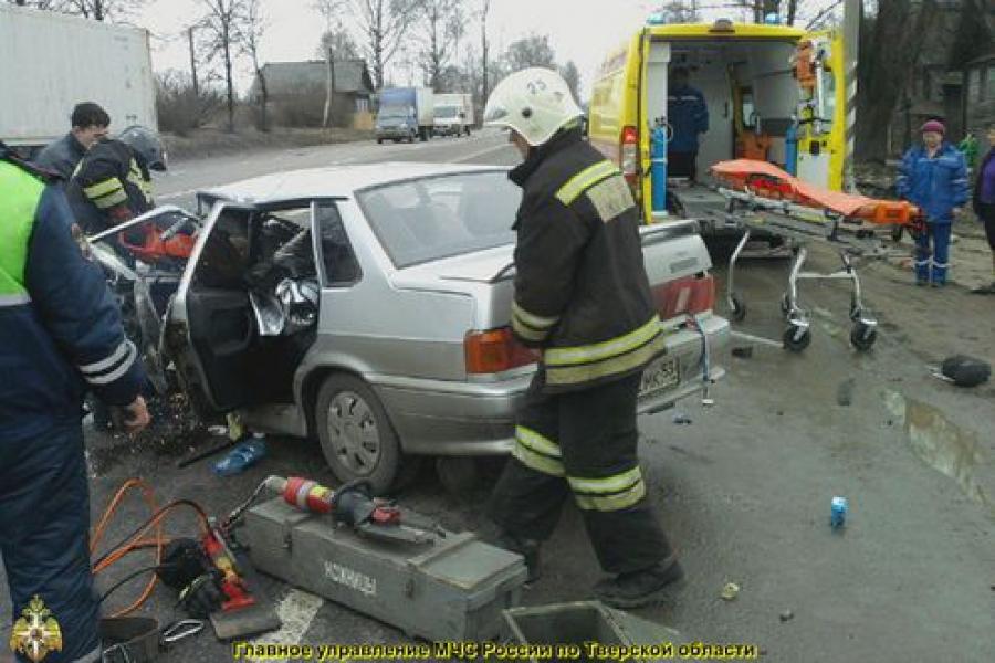 ДТП с участием «пятнадцатой» и грузовика: есть пострадавший