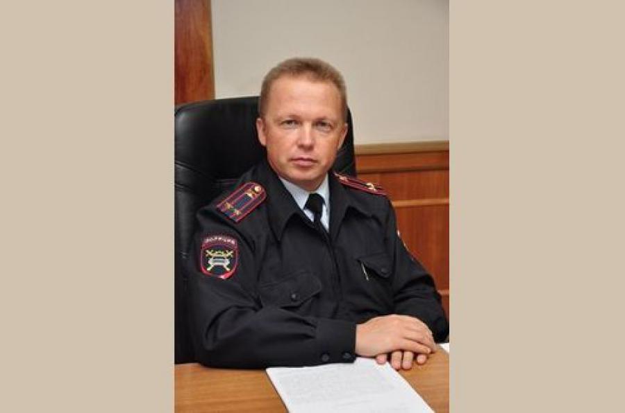 В канун праздника руководитель Госавтоинспекции региона попросил водителей не пить за рулем и уважать друг друга