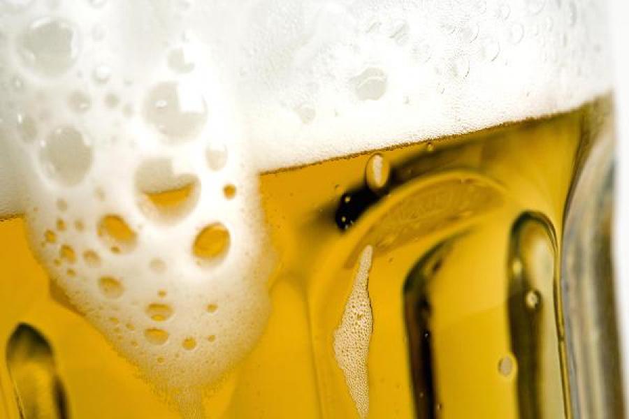 В отношении матери ребенка, пившего пиво в ржевском кафе, составлен протокол об административном правонарушении