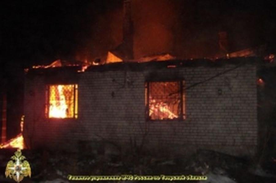 Два дома в Тверской области сгорели за один день из-за замыкания электропроводки