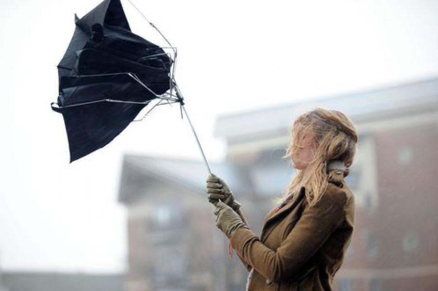 Жителей области предупреждают об усилении ветра