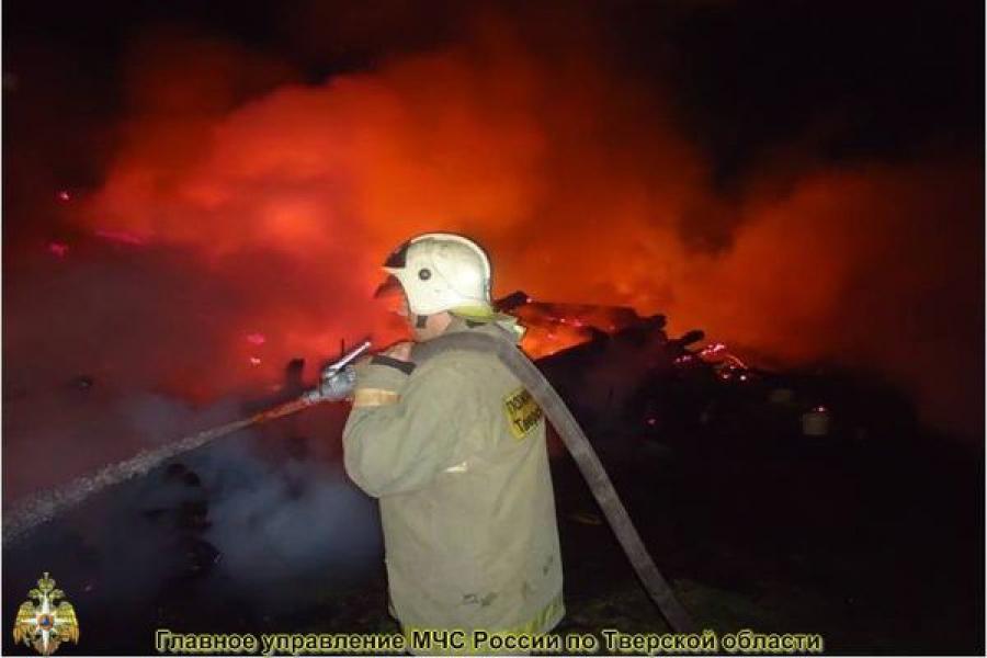 При пожаре в жилом доме пострадали люди