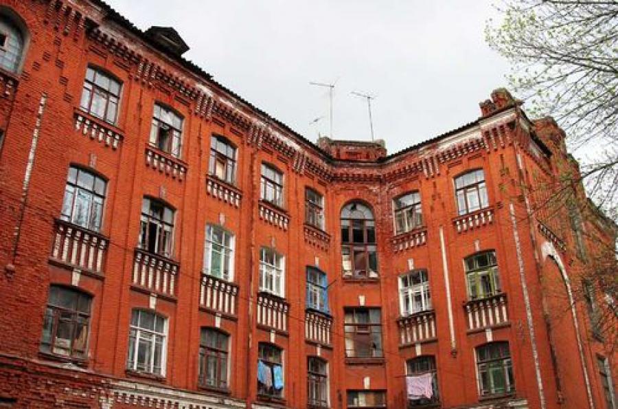 Суд запретил содержать незаконное общежитие для иностранцев во Дворе Пролетарки