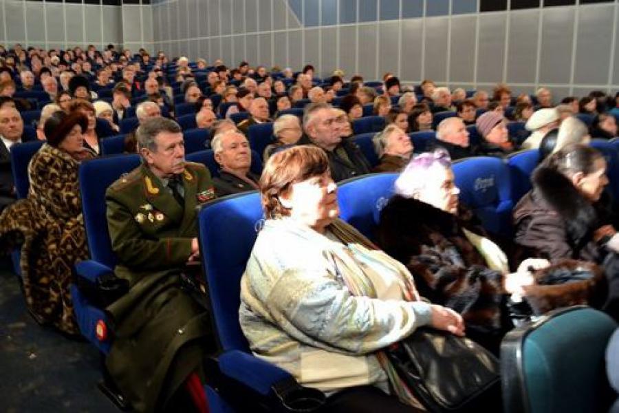 Ветеранам и молодежи показали «Сталинград»
