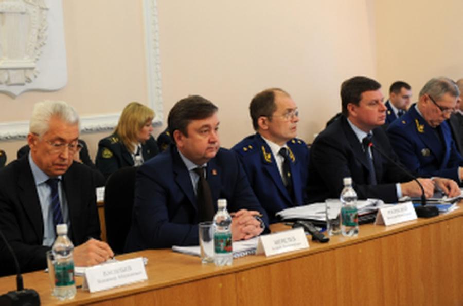Более 46,5 тысяч нарушений закона в регионе выявила прокуратура в 2013 году