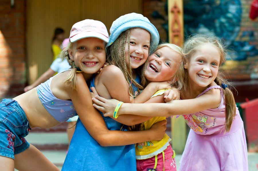 Детские загородные лагеря ждут третью смену отдыхающих