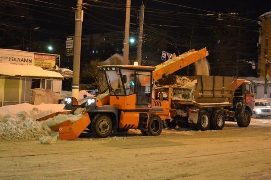 МУП «ЖЭК» вывозит из Твери снег