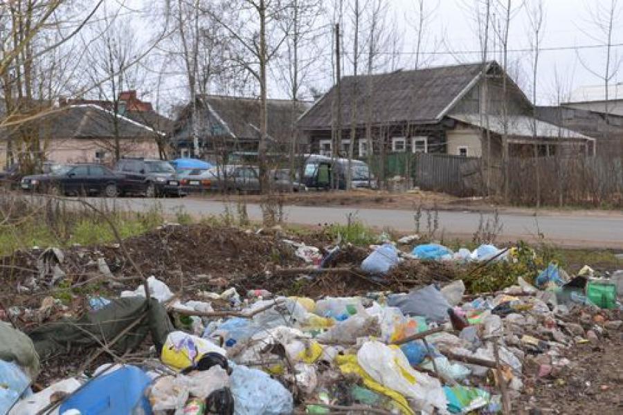 Вместо мусоровозов в поселке Крупской могут появиться контейнеры