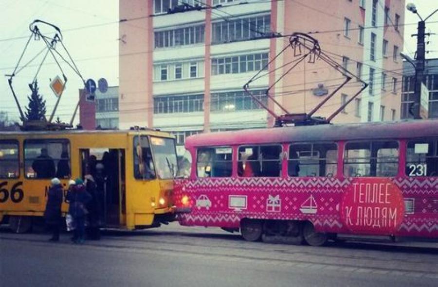 В центре Твери столкнулись два трамвая