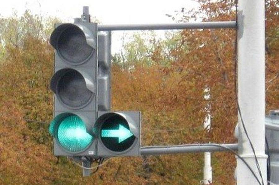 УГИБДД обещает вернуть стрелки на тверские светофоры в случае возникновения «пробок»