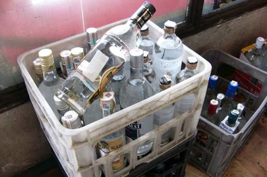 В Твери алкоголем торговали с машины
