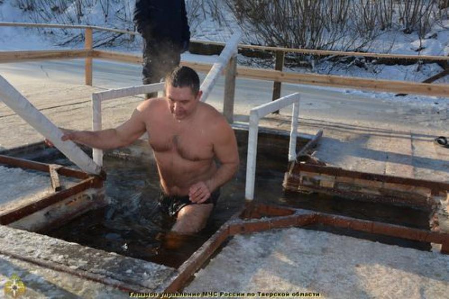 Крещенские купания — под контролем спасателей, полицейских и медиков